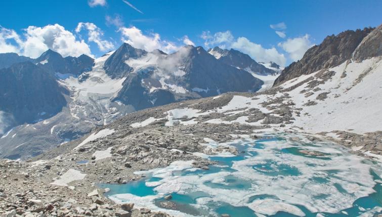 Die zurückweichenden Eismassen der Gletscher machen Platz für neue Eisseen! Hier der Turmferner-Eissee!