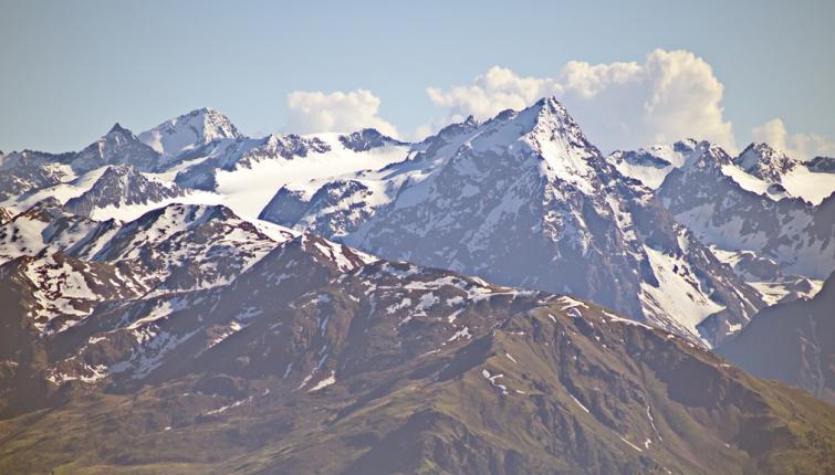 Blick auf die Gipfel im Bereich der Franz Senn Hütte im Stubaital. Lüsenser Fernerkogel, Wildes Hinterbergl, Schrandele und Schrankogel.