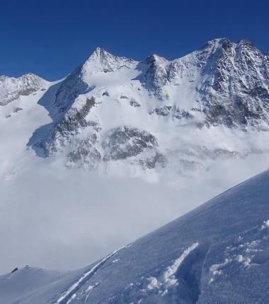 Wieder einmal Schneedeckenuntersuchung, diesesmal im Verborgenen Berg!