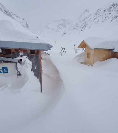 Überall Spuren vom den starken Schneestürmen in letzter Zeit