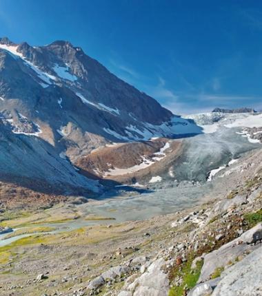 Nach zweistündigen gemütlichen Anstieg eröffnet sich eine fantastische Bergwelt!