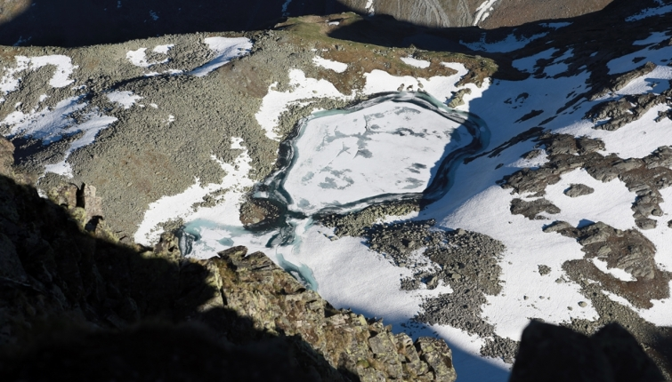 Nicht mehr lange und der Rinnensee hat sich von seiner Schneelast befreit!