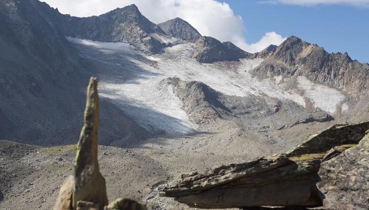 Der  Vorgipfel ist erreicht-Blick auf den Sommerwand Ferner