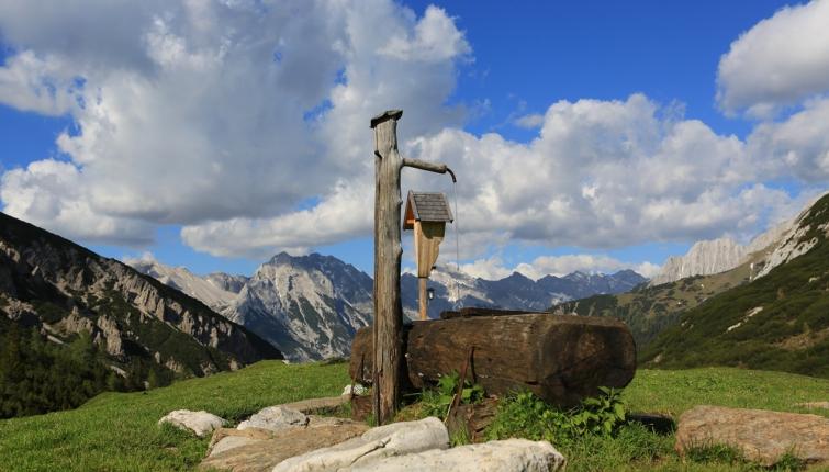 Am Erlsattel-unweit der Hütte