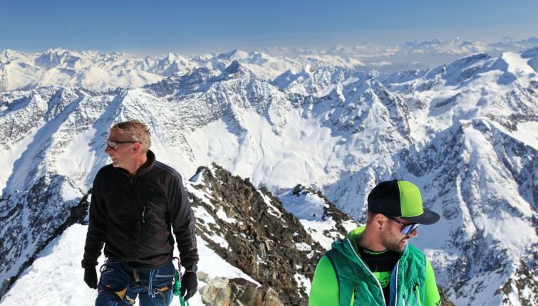 Der Gipfel der Ruderhofspitze bietet einen wahrlich grandiosen Rundblick!