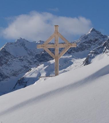 Der Blick auf den Alpeiner Ferner zeigt, dass auch dort der Sturm ganze Arbeit geleistet hat!